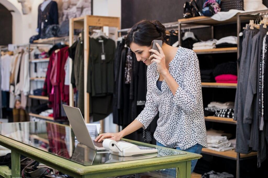 Emprendedora con ecommerce o tienda en líena